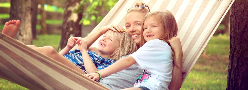 mother-and-daughters-in-the-hammock